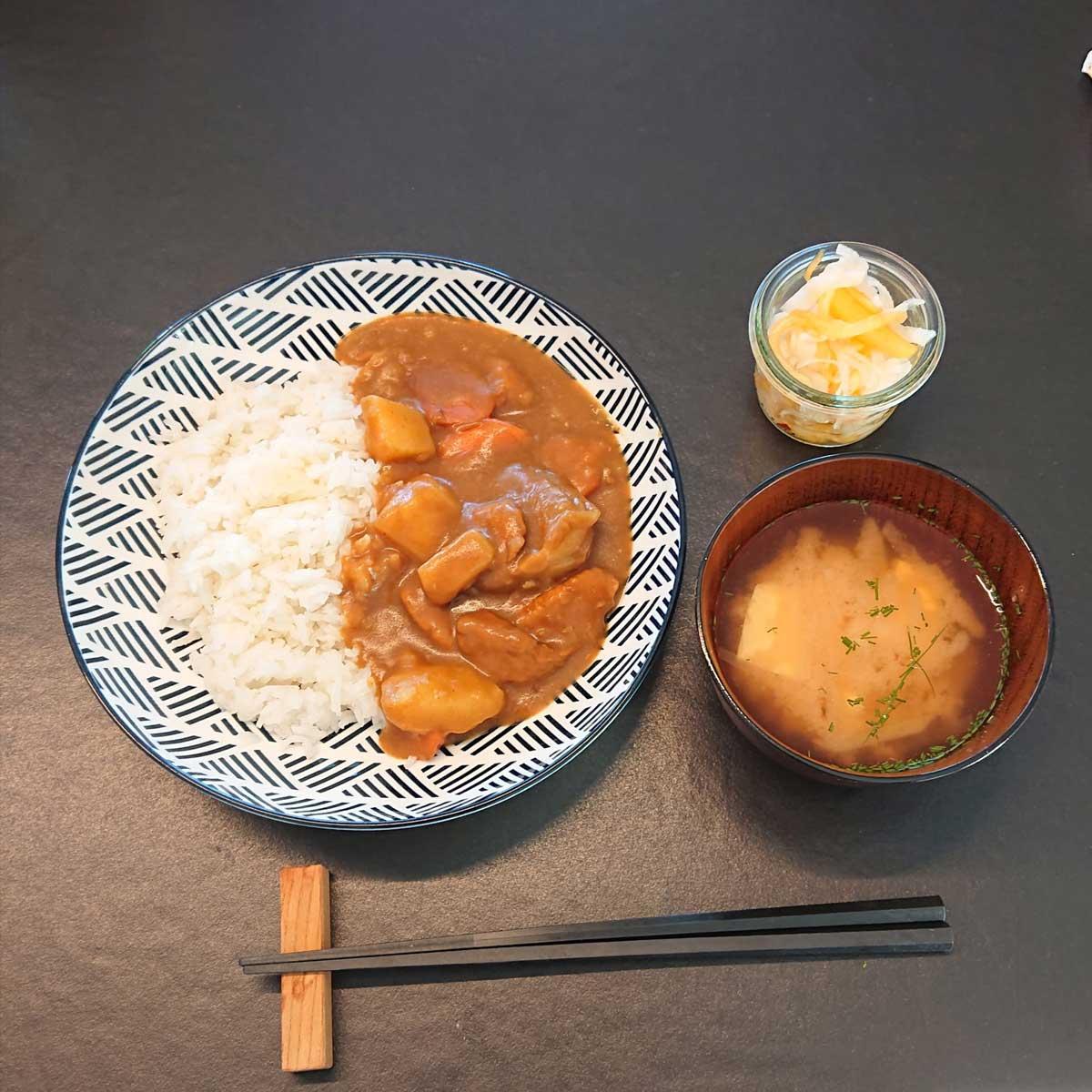 Service traiteur chez Toki avec Ayaka Tokimatsu Zen Gaffinen